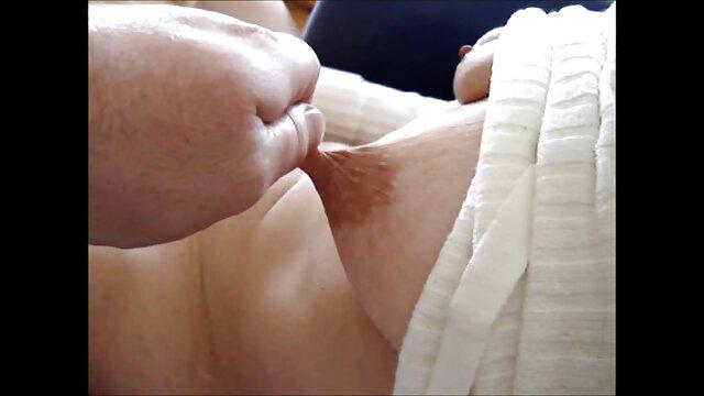 شوهر و دوست خود را بر روی نیمکت در سکسی سینمایی تزئین مقعد