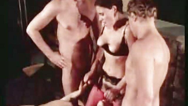 مطیع, برده, سکس با دانلود فیلم سینمایی سکسی بدون سانسور یک دختر و یک دختر