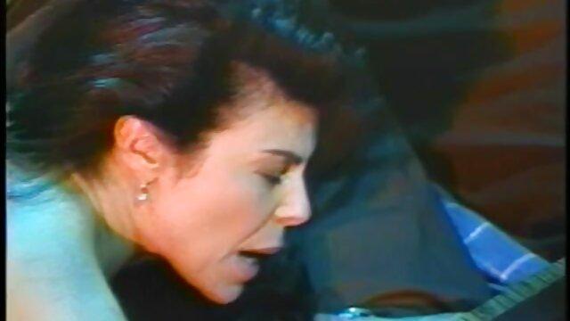سارا ناله و فریاد می زند در فلم سکس سینمای هنگام رابطه جنسی داغ