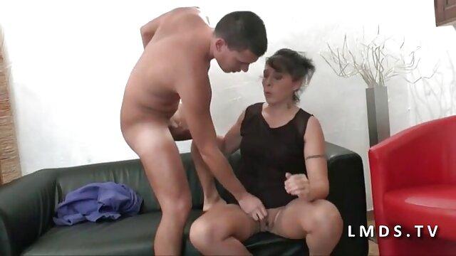 زیبا و دلفریب, کانال سینمایی سکسی دختر برهنه در خیابان, حلقه, خود ارضایی