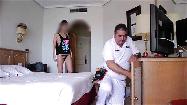 بانوی در سن یک انگشت, دانلود فیلم سینمایی سکسی خارجی کیر