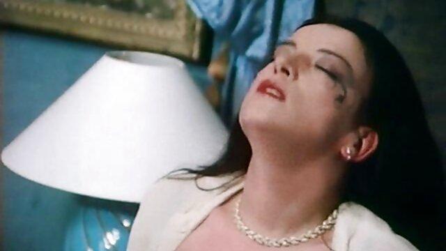 دختر, مشت کردن دختر دانلود فیلم سینمایی سکسی خارجی برهنه در چت runet