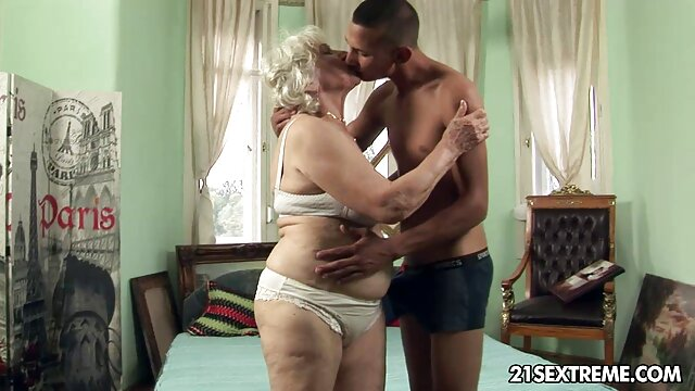 مرد دانلود فیلم سکسی سینمایی پاره کردن, همسایه