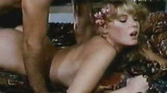 سبزه با نونوجوانان زیبا در لباس زیر تنگ مکیده شده است فیلم های سینمای سکس در طول یک ماساژ