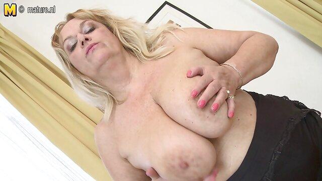 مادر انگشت دختر در جوراب ساق بلند, چسب, کیر دانلود فیلم سینمایی سکسی جدید با لینک مستقیم