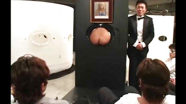 همسر نشسته دانلود فیلم سینمایی سکسی خانوادگی بر روی صورت شوهرش با خشخاش