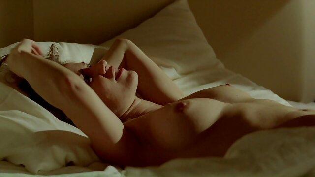 خانم ها با نونوجوانان بزرگ عشق به تقدیر فیلم سینمایی کلاسیک سکسی در داخل