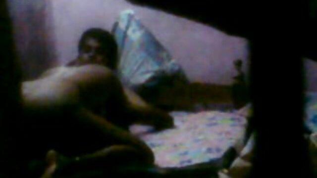 لاغر ورزش ها در جوراب ساق بلند Chaturbate دارای دانلود فیلمهای سکسی سینمایی dildo به بزرگ در کس او را