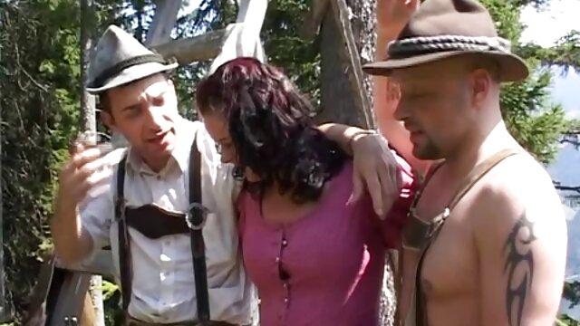 پر زرق و برق, سبزه, هل دادن ماندا با لاستیک دیک فیلم سینمایی اسپارتاکوس سکسی در خصوصی