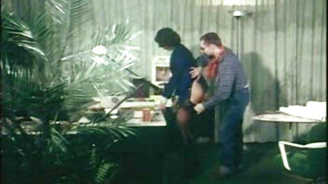 بلند و باریک, گلوریا fondles کلاه فیلم سینمای سکسی صحنه دار خود را